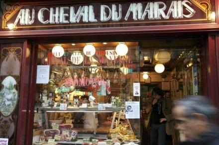 534163_une-boucherie-chevaline-a-paris-en-2007[1]